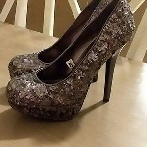 Xhilaration heels size 8